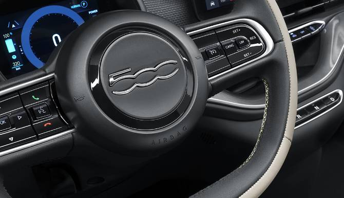 Fiat 500 Electric Interior 3