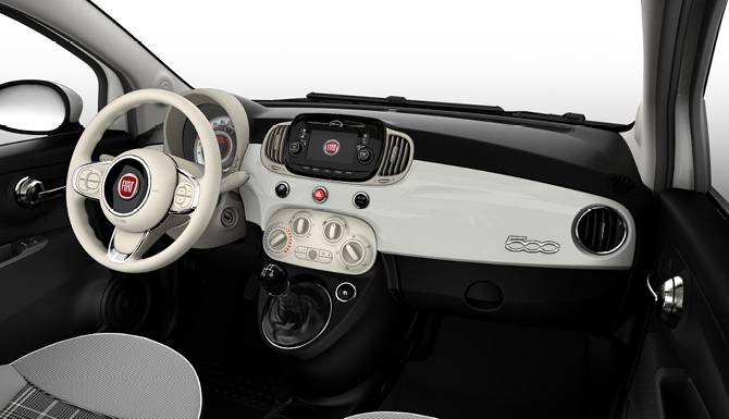 Fiat 500 Lounge dashboard