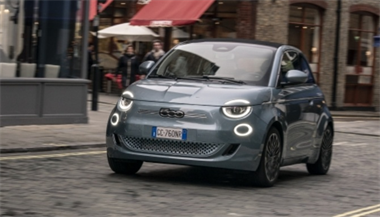 New Fiat 500 crowned Best Small Electric Car by Parkers