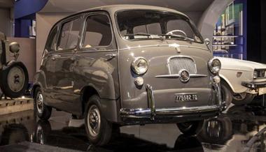 The Legendary Fiat 600 Multipla Conquers London
